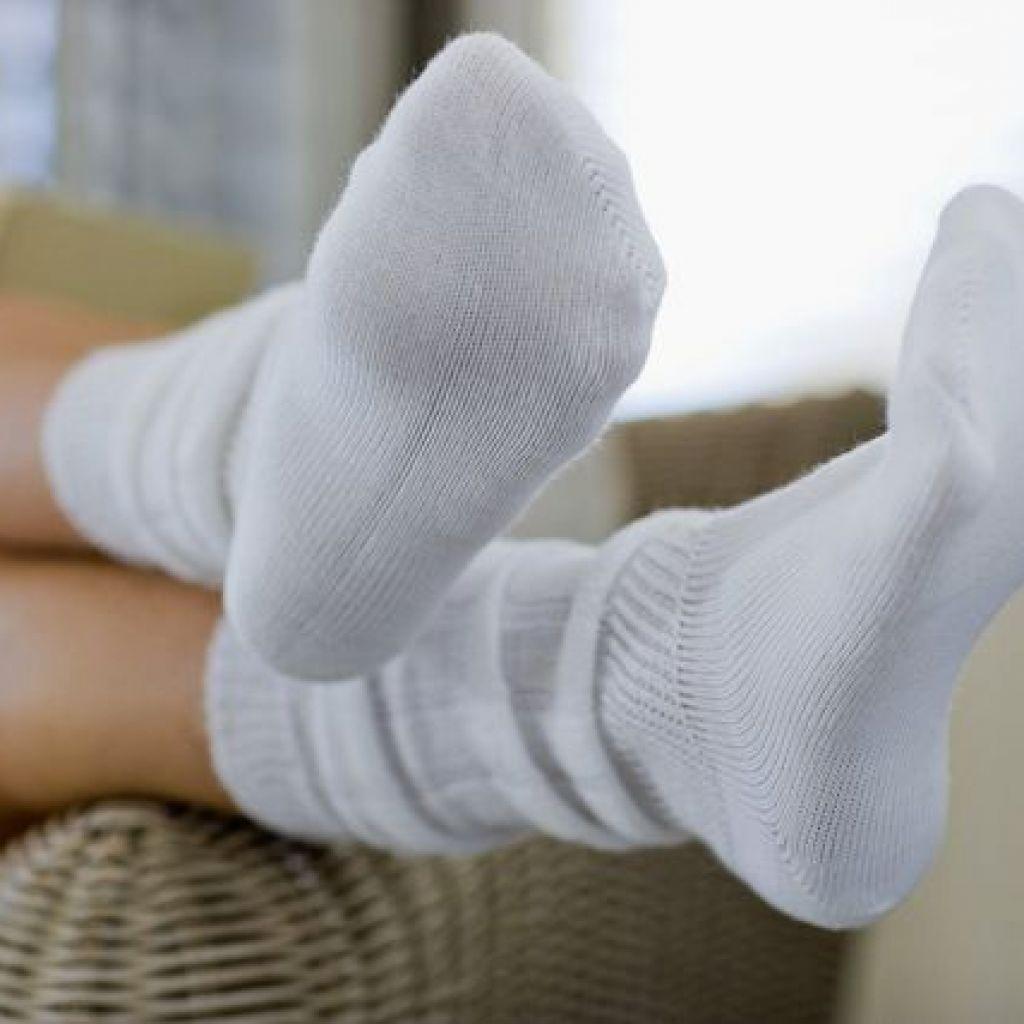 Как отбелить носки народными средствами