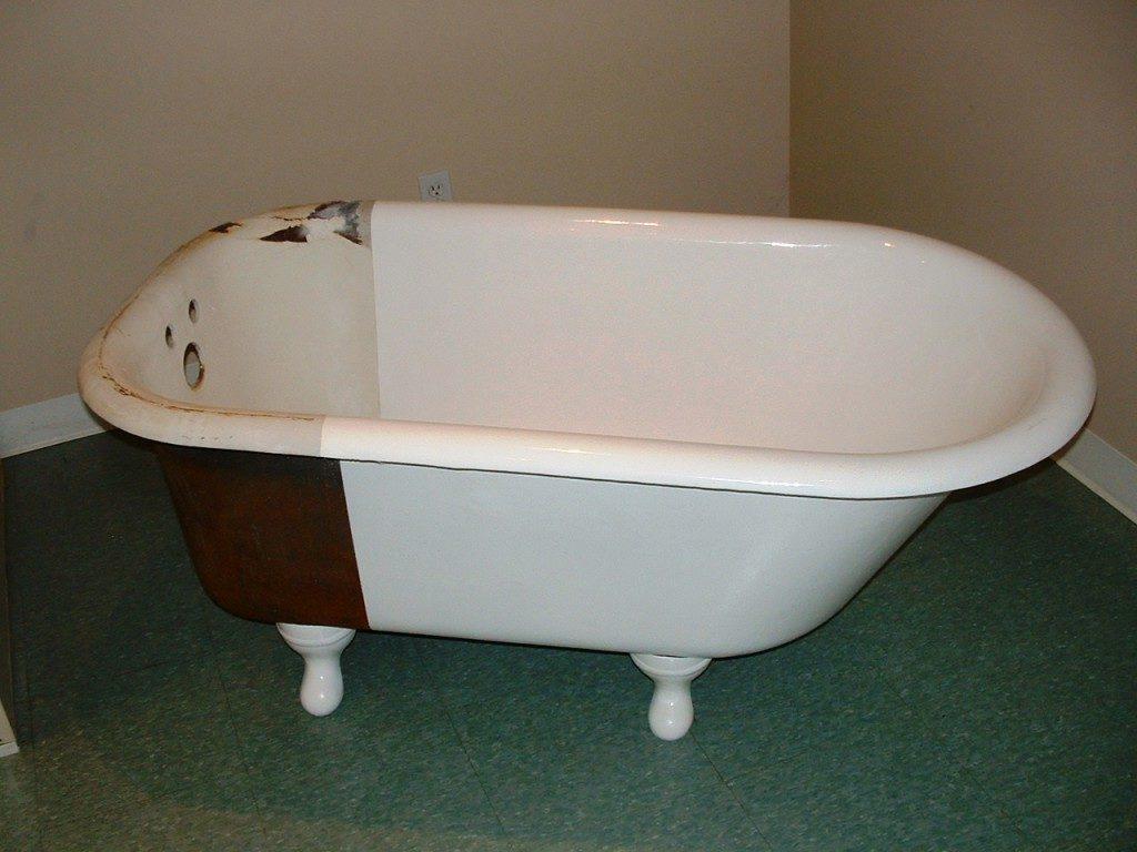 Как восстановить эмаль на чугунной ванне своими руками