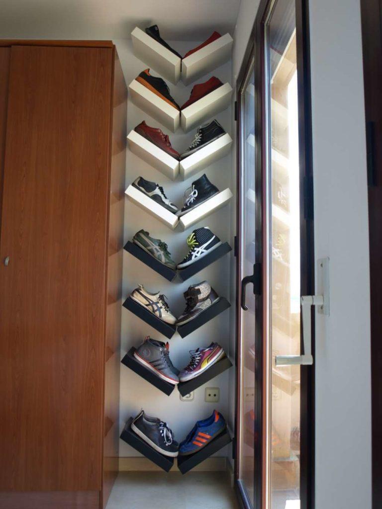 Как и где хранить летнюю обувь в зимний период