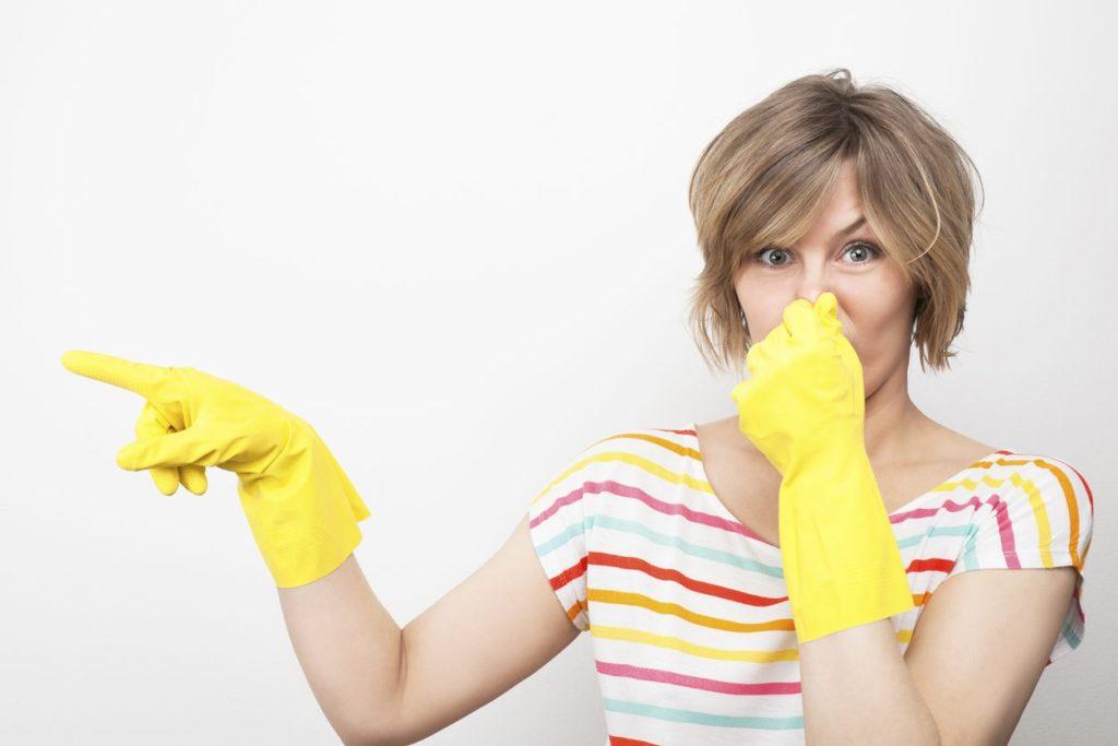 Какими экологичными способами можно избавиться от неприятного запаха в доме