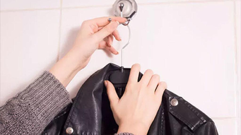 Как самостоятельно разгладить куртку из искусственной кожи