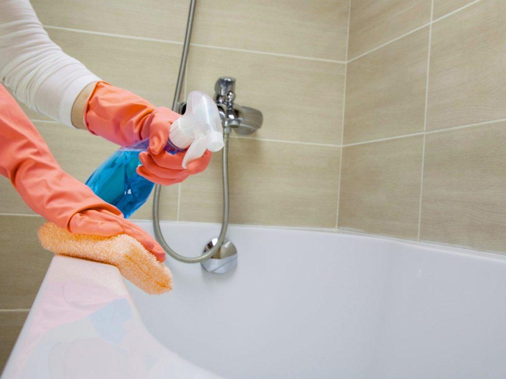 Как удалить следы ржавчины в чугунной ванне