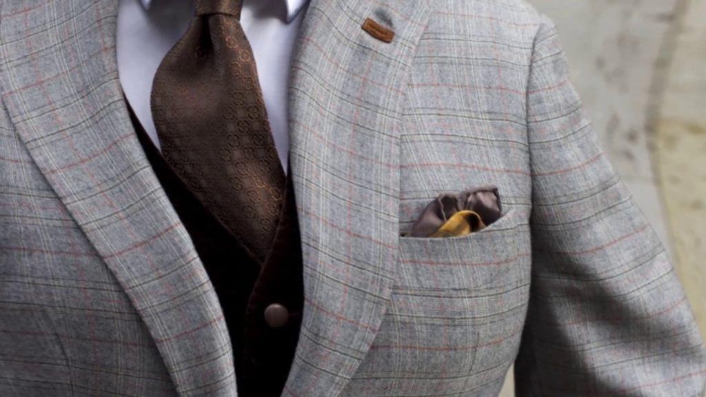 7 способов удалить пятна с галстука