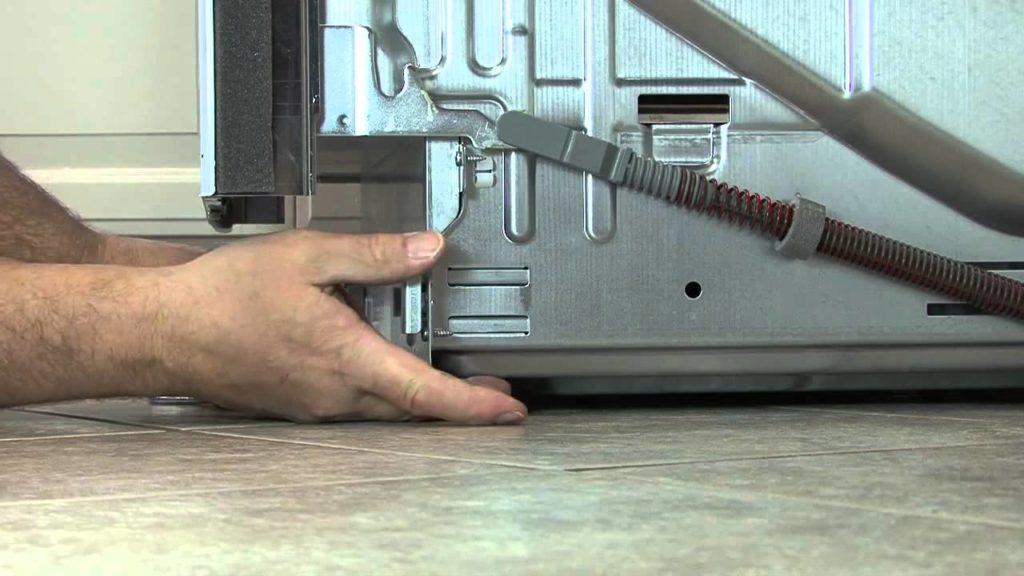 Как правильно подключить посудомоечную машину ко всем коммуникациям