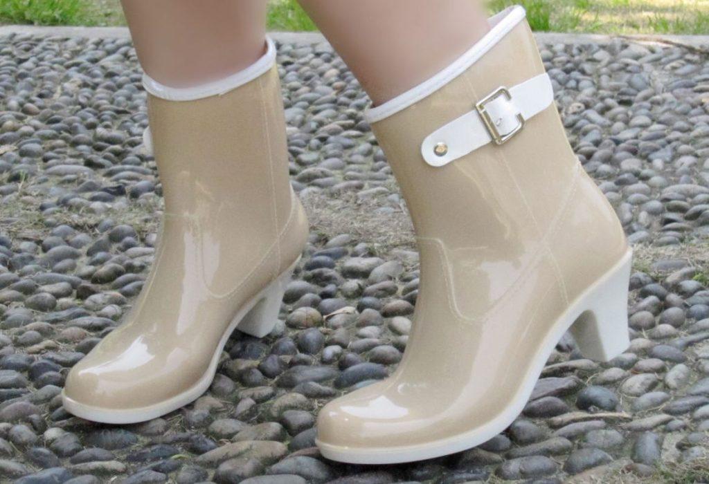 Как нужно ухаживать за резиновой обувью